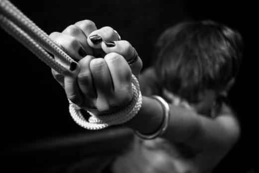 men-BDSM-ropes-bondage-gay